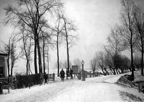 Nabij het Tolhuis rond 1900